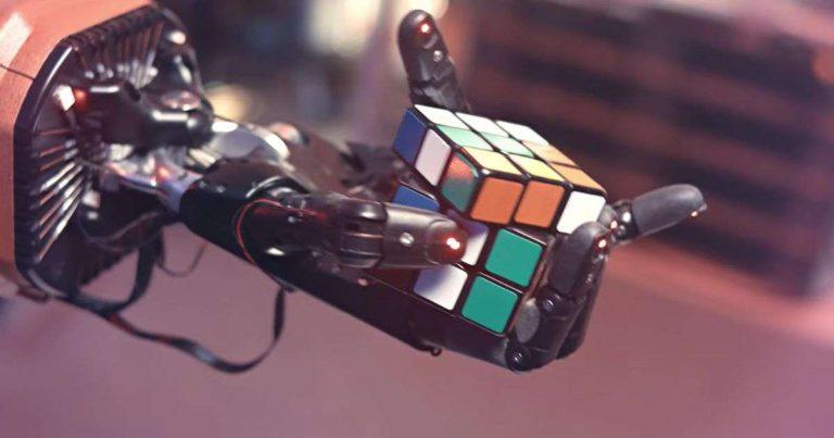 OpenAI crée une main robotique pour résoudre un Rubik's Cube