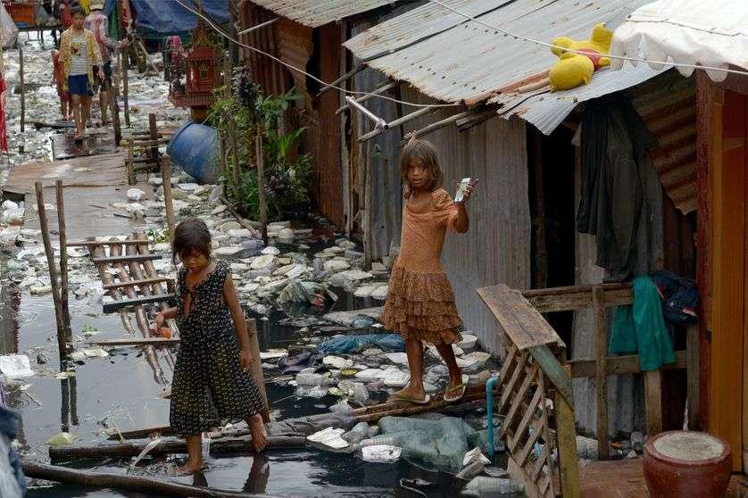 Pauvreté mondiale : panser, repenser, dépasser