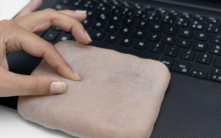Skin-On, une surprenante peau artificielle aussi sensible que la peau humaine