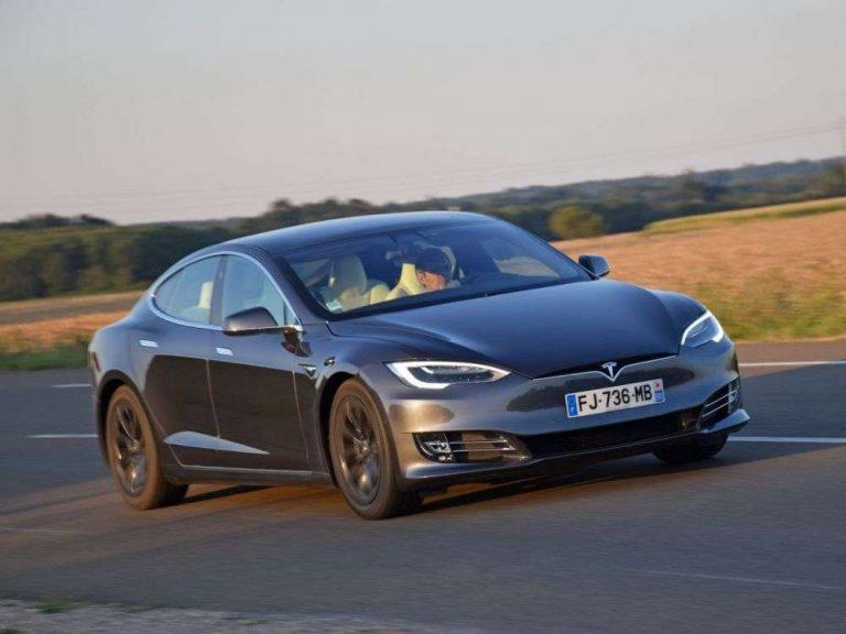 Tesla, numéro un des des véhicules électrifiés en Europe, devant BMW et Renault