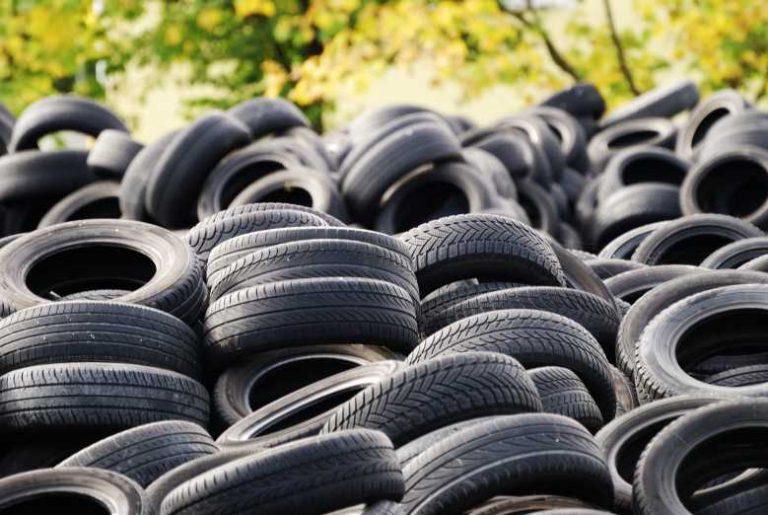 Des chercheurs canadiens ont peut-être trouvé LA solution pour recycler les pneus usagés