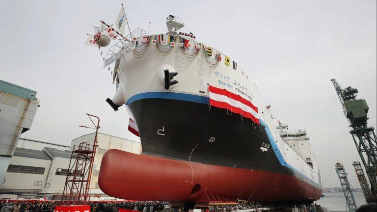Hydrogen Frontier : le Japon met à l'eau le premier navire apte à transporter de l'hydrogène