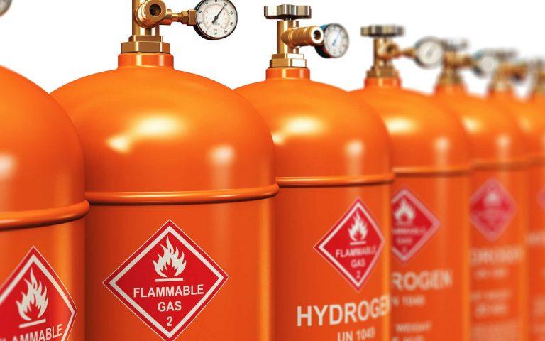 Hydrogène : décarboner l'industrie avant les transports ?