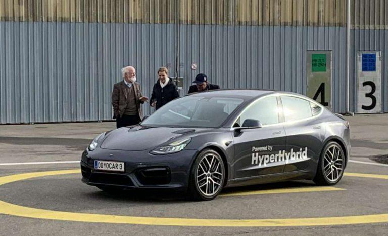 Il convertit une Tesla Model 3 en voiture hybride