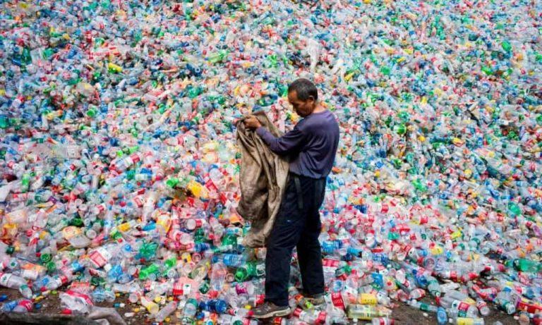 La Chine va bannir la plupart des objets en plastique à usage unique