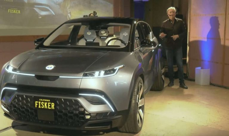 Le SUV électrique de Fisker gagne 1 600 km d'autonomie par an grâce à ses panneaux solaires