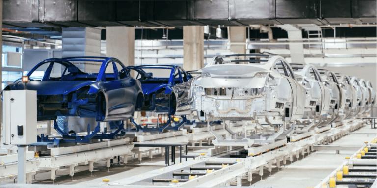 Gigafactory 4 : des activistes forcent Tesla à mettre la construction en pause