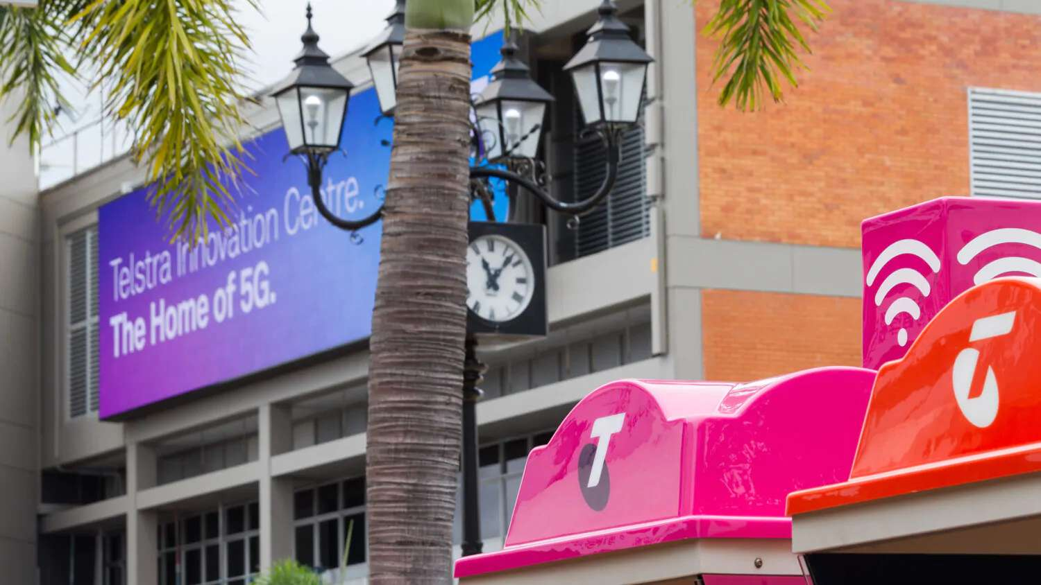 Ericsson and Telstra complete Australia's first 5G end-to-end standalone call
