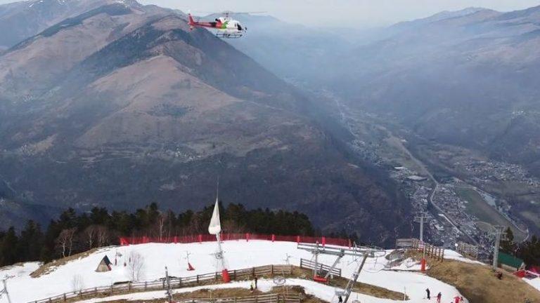 L'enneigement par hélicoptère des pistes de Luchon Superbagnères fait bondir la ministre de l'écologie