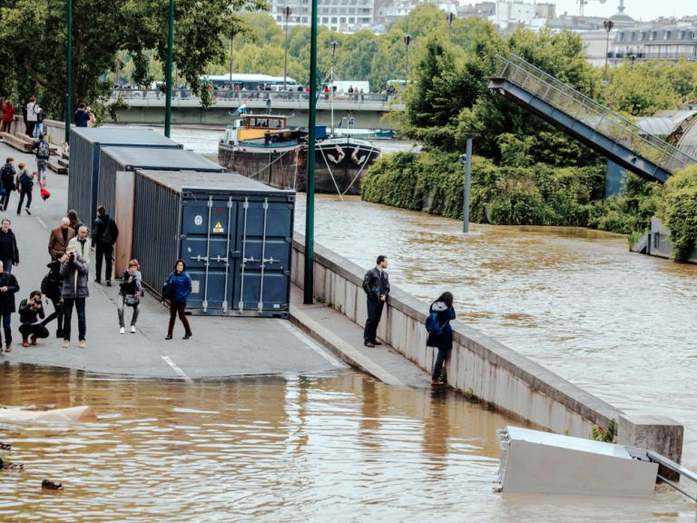 Inondations, canicules… les villes doivent se préparer «urgemment» au changement climatique