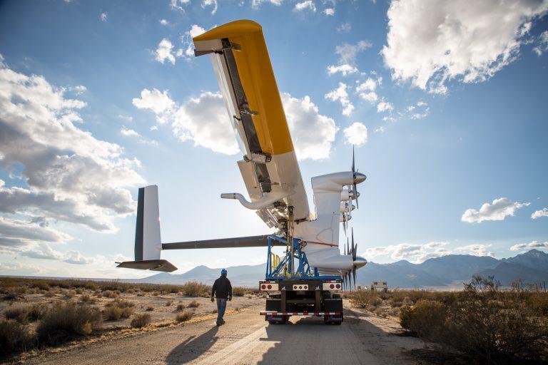 En pleine crise mondiale, Elon Musk, patron de Tesla, annonce la production d'éoliennes volantes dès 2022 !