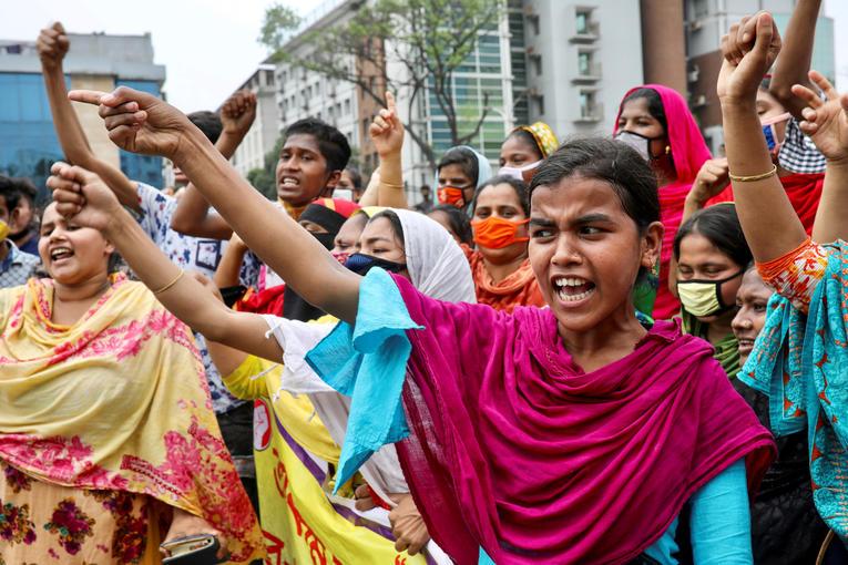 Prêt-à-porter.Au Bangladesh, c'est l'apocalypse pour les ouvrières du textile