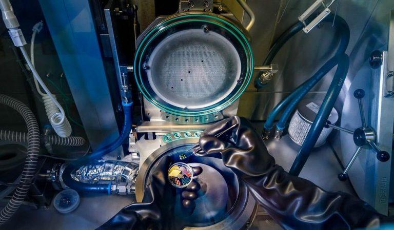 Des chercheurs présentent un silicium capable d'émettre de la lumière pour créer des puces plus puissantes que jamais