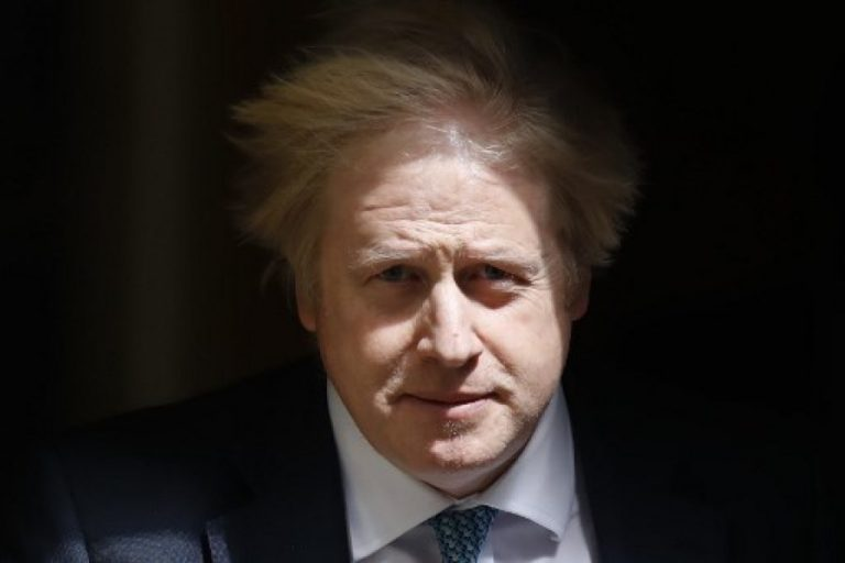 Seul contre tous, le Royaume-Uni remet en jeu sa légendaire insubmersibilité