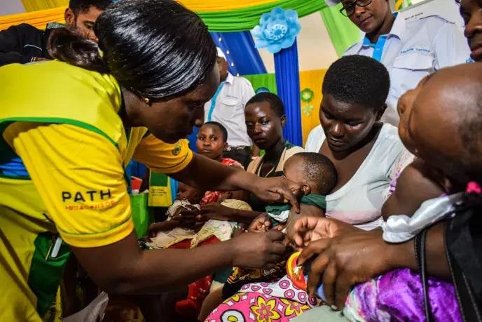 Le Kenya et le Malawi, zones test pour un carnet de vaccination injecté sous la peau