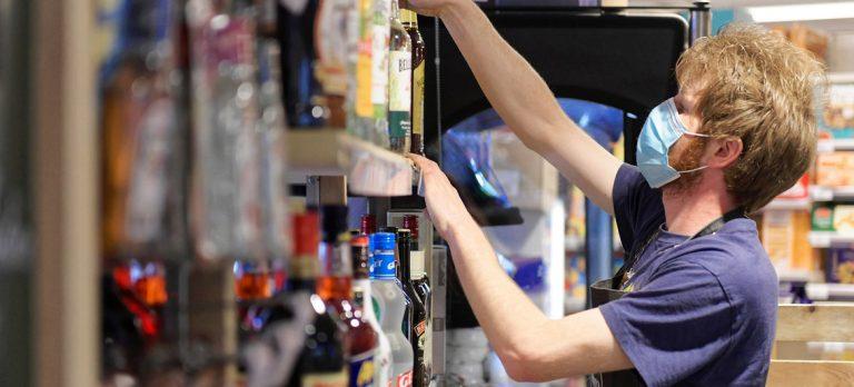 Covid-19 : plus d'un jeune sur six se retrouve sans emploi en raison de la crise (OIT)