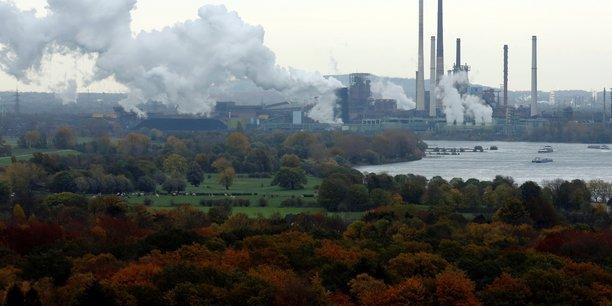 Neutralité carbone : des engagements mais des résultats mitigés pour les compagnies pétrolières européennes