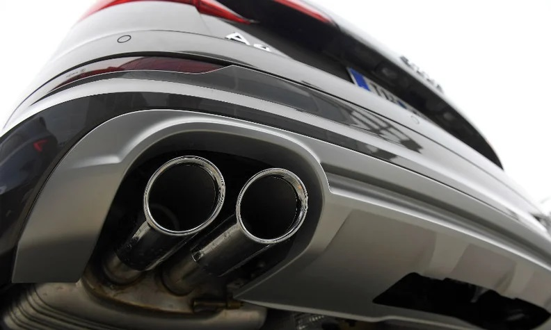 Automakers warned by EU to significantly cut emissions