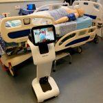 Les robots, précieux alliés dans la crise sanitaire, mais à quel prix pour l'emploi?