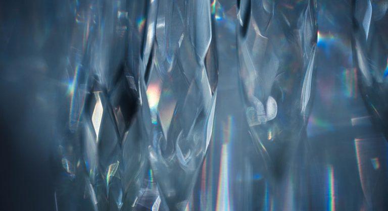 Un cristal convertit la lumière en hydrogène avec un rendement record