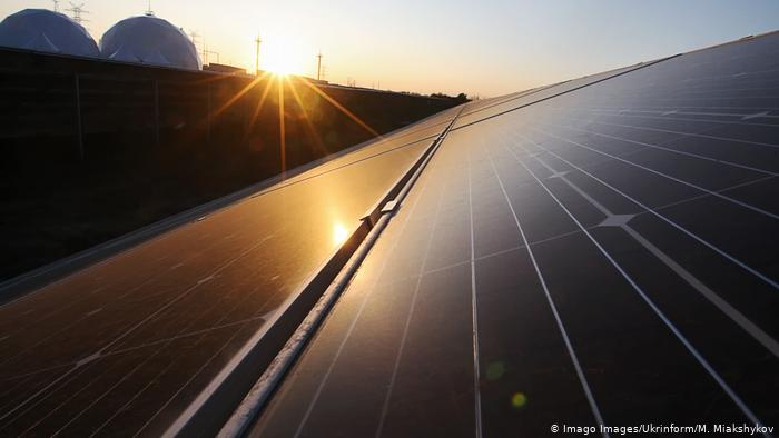 Falling solar panel prices spell sunny future for clean energy