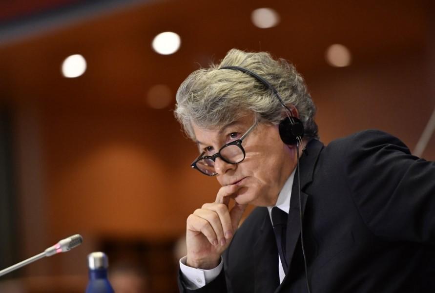 Thierry Breton veut une constellation de satellites européenne pour l'internet haut débit