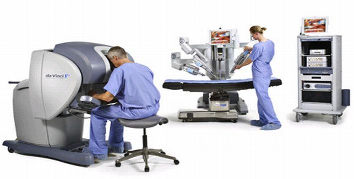 Des chirurgiens mènent une opération à 15 km de distance grâce à la 5G