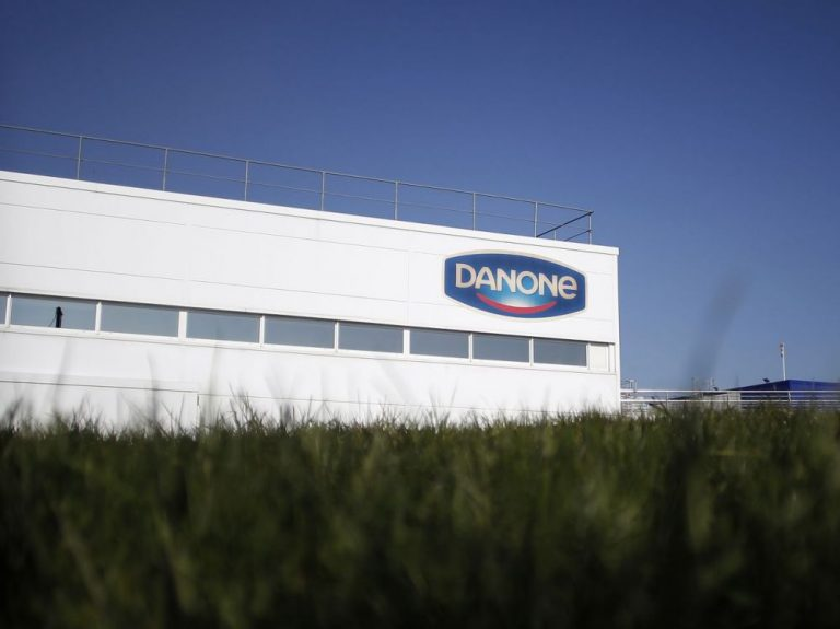 """Danone investit 2 milliards dans sa transition écologique et l'inscrit dans sa """"constitution"""""""