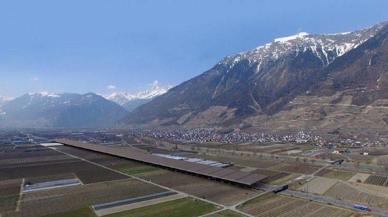 Autobahn der Zukunft: Schweiz unterstützt Solar-Highway-Projekt in Österreich