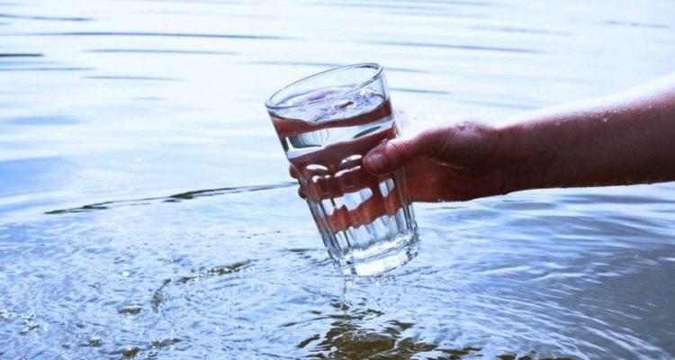 Un nouveau procédé utilise la lumière solaire pour transformer l'eau salée en eau potable