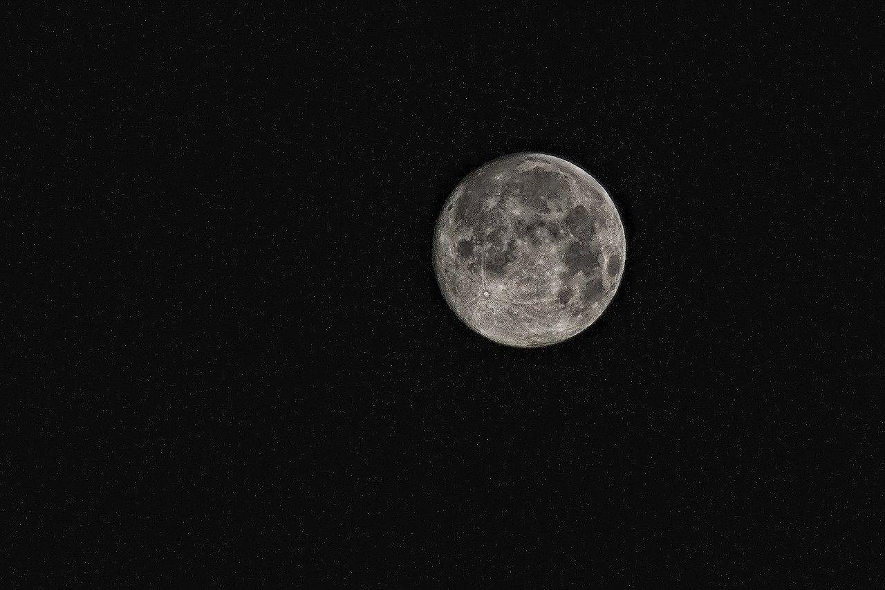 Les États-Unis veulent une centrale nucléaire sur la Lune pour 2026 !