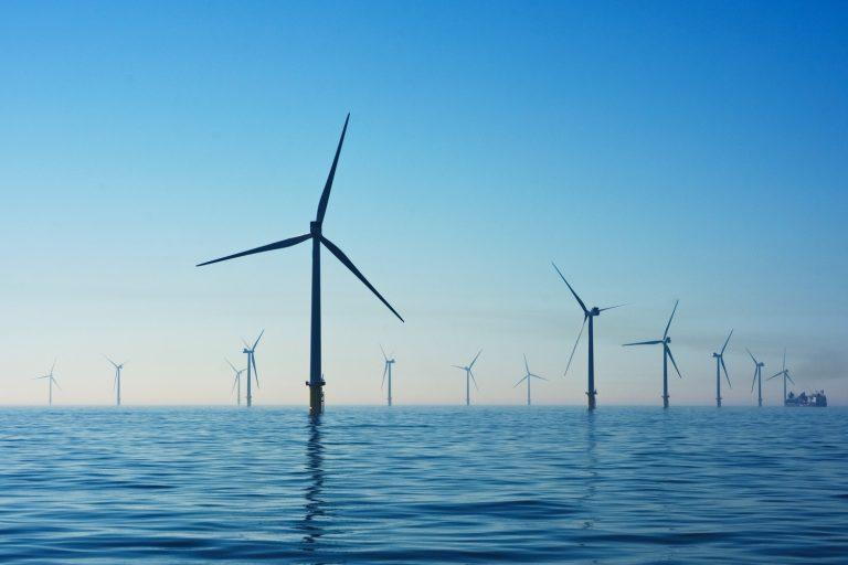Pays-Bas : un méga parc offshore hybride avec de l'éolien, du solaire, un stockage et de l'hydrogène vert