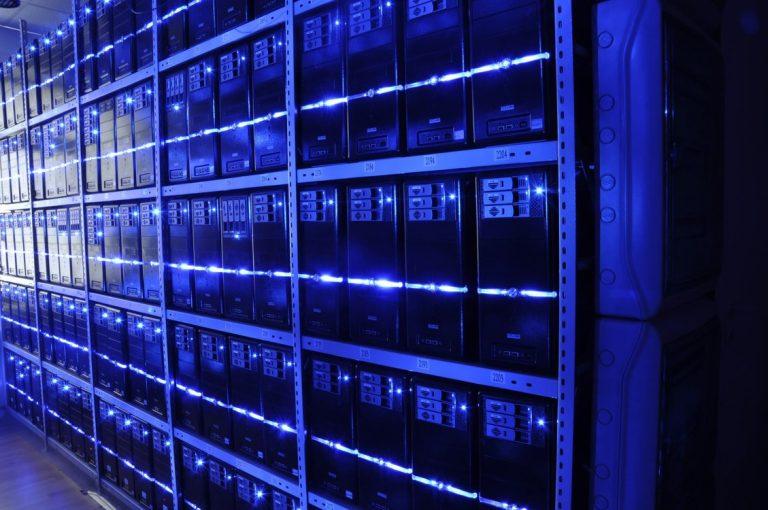 Les data centers : quand la face cachée d'Internet devient un problème public