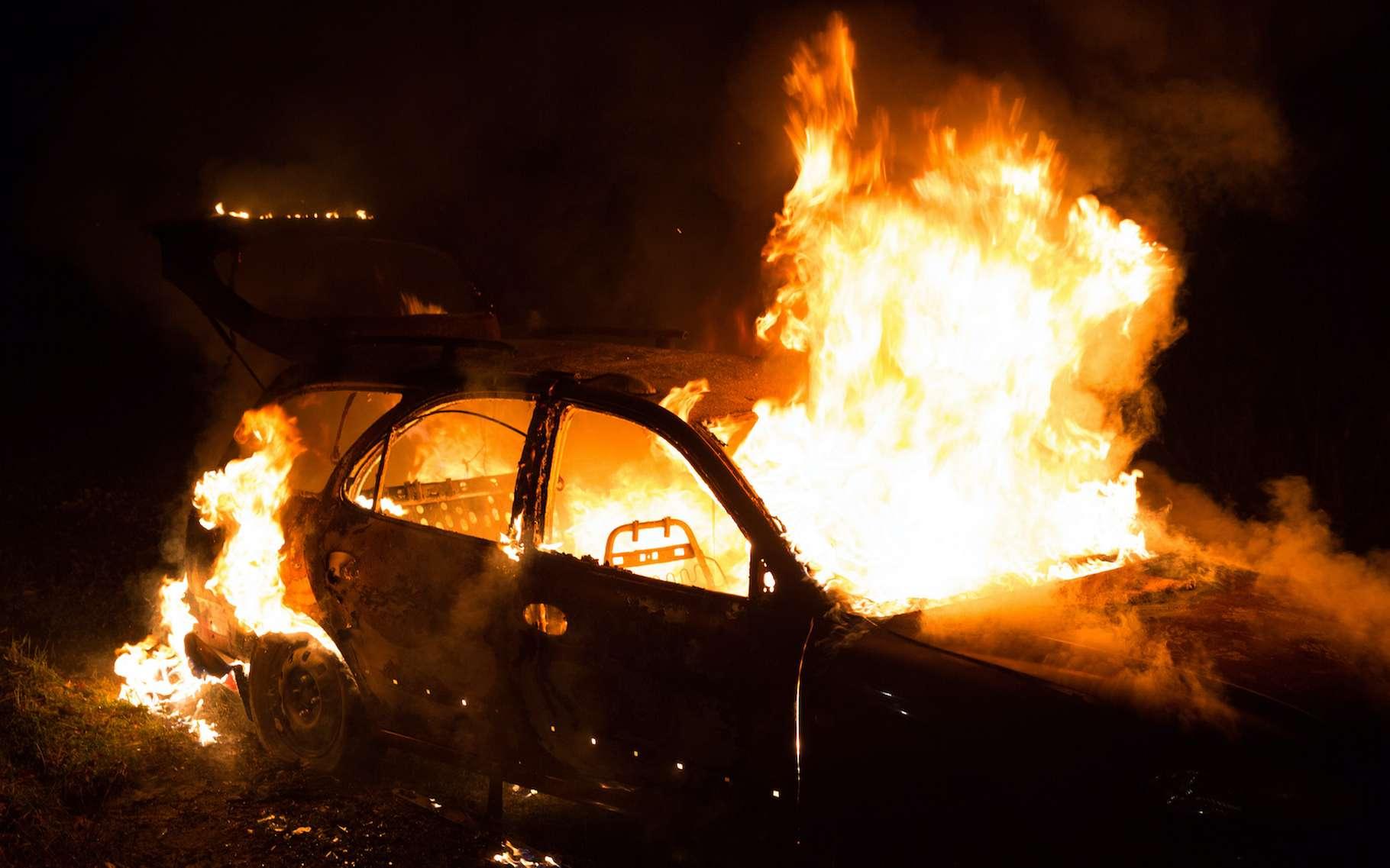 Voici ce qu'il se passe quand une voiture électrique prend feu