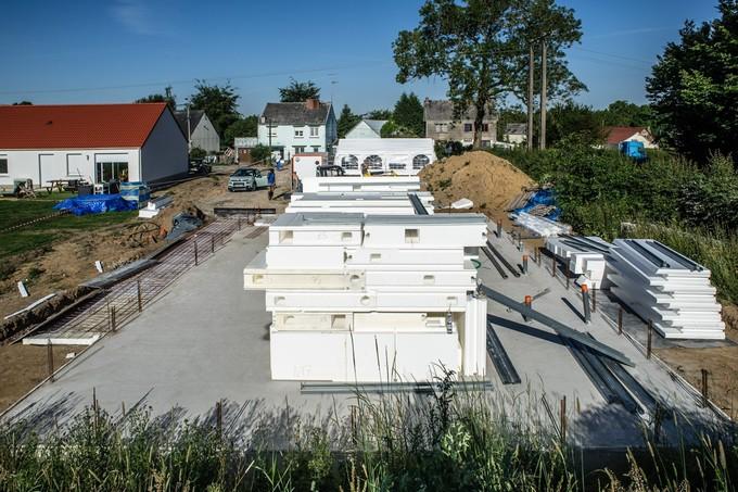 Légère et bien isolée : ils font construire une maison (presque) sans béton et tout en polystyrène