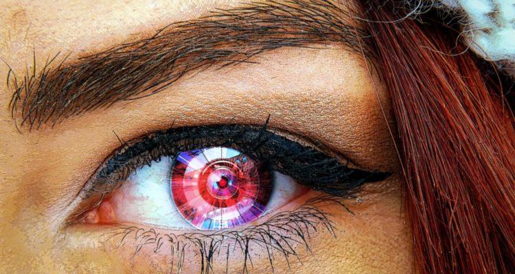 Un œil bionique bientôt implanté pour la première fois chez l'Homme