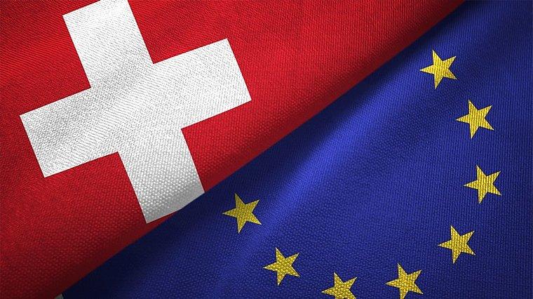 La Suisse vote contre la limitation de l'immigration européenne