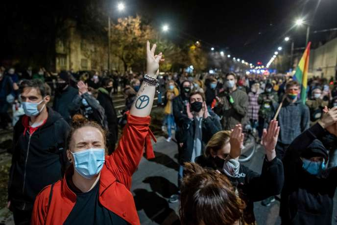 Manifestations en Pologne contre l'interdiction quasi totale de l'avortement