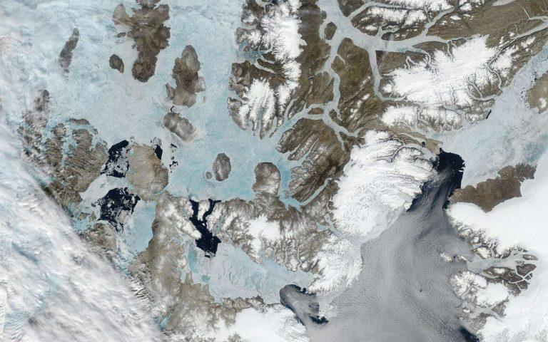 Les arches qui maintiennent «la dernière zone de glace» en Arctique sont en train de céder