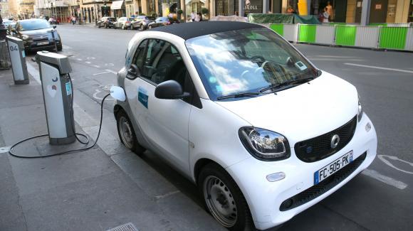Nouveau monde. 800 km d'autonomie avec 5 min de recharge : Nawa Technologies veut révolutionner les batteries automobiles