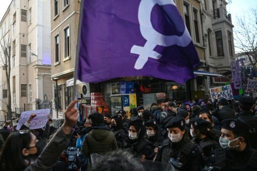 Turquie: colère après l'abandon d'un traité protégeant les femmes