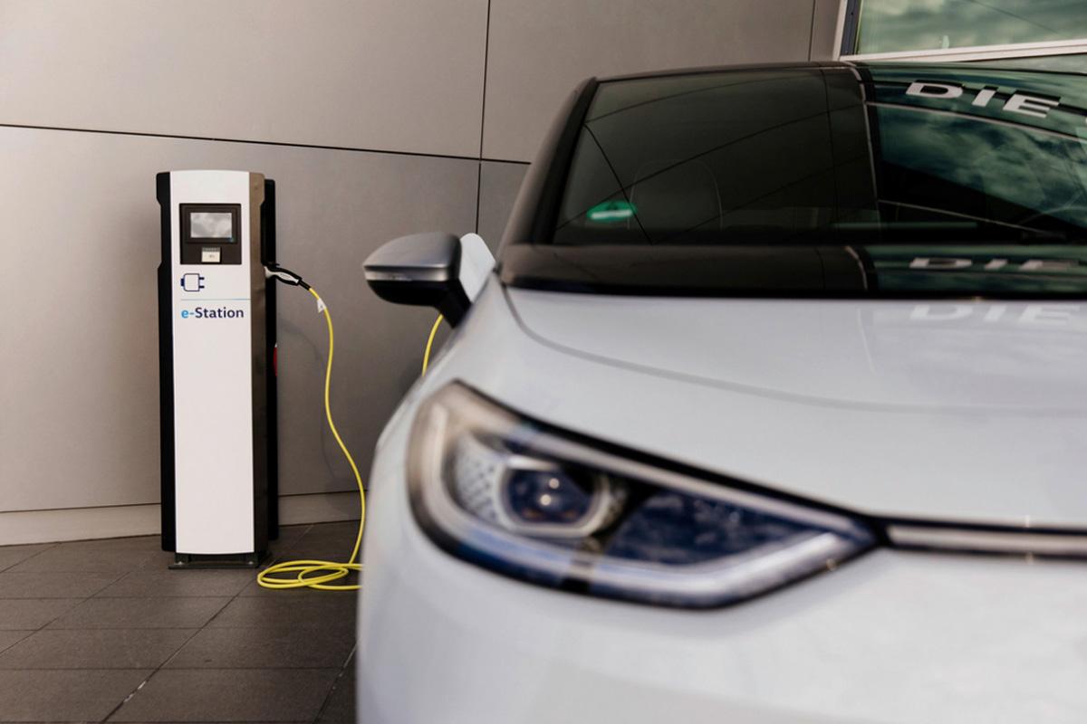 Volkswagen se lance dans la recharge ultrarapide 300 kW