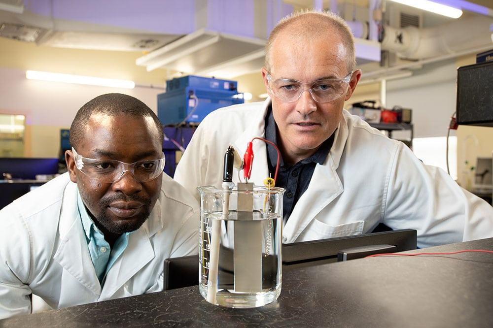 Australian scientists achieve breakthrough with renewably powered carbon capture