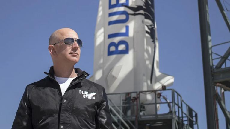 Jeff Bezos et son frère seront du premier vol spatial de Blue Origin