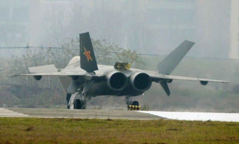 Comment la Chine tente de résoudre le plus gros problème de ses avions de chasse