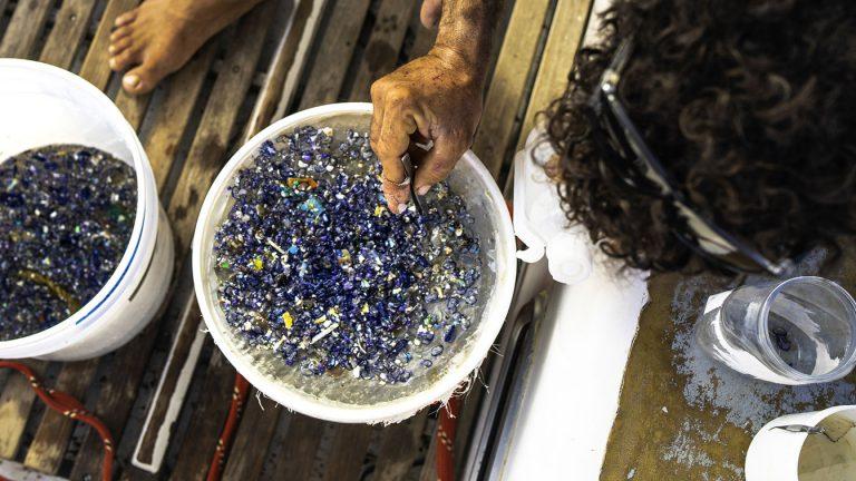 Pollution plastique : ces idées reçues qui nous mènent en bateau
