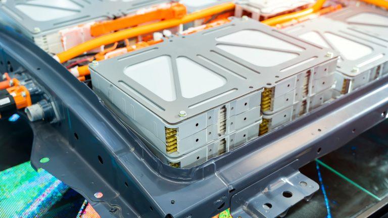 Tesla dépose un brevet sur une méthode permettant d'extraire le lithium à moindre coût