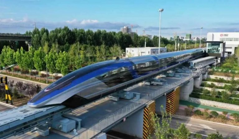 La Chine dévoile son train maglev, pouvant atteindre 600 km/h