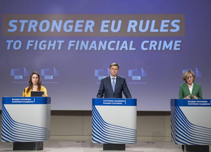 Bruxelles sort son arsenal antiblanchiment